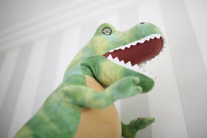 decoracao-quarto-do-bebe-justlia-dinossauros-fernando (13)